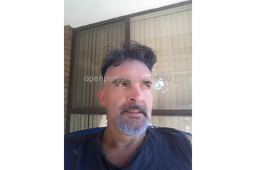 Single Middle aged man, love to munch pussy an suck big titties